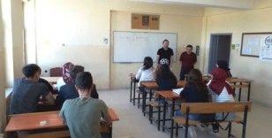 Hisarcık'ta üniversiteye hazırlanan gençlere kurs desteği