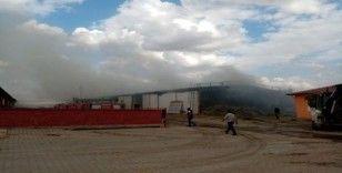 Bolvadin'de çiftlik yangını