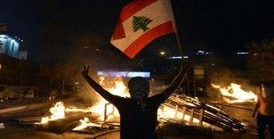Lübnan'da Whatsapp öfkesi büyüyor