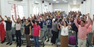 """Erdemli'de öğrenci ve velilere """"sağlıklı yaşam"""" semineri"""