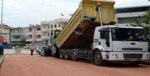 Osmangazi'de cadde ve sokaklar asfaltlanıyor
