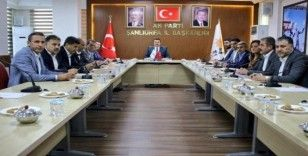 AK Parti İl Başkanı Yıldız ilçe başkanlarıyla bir araya geldi