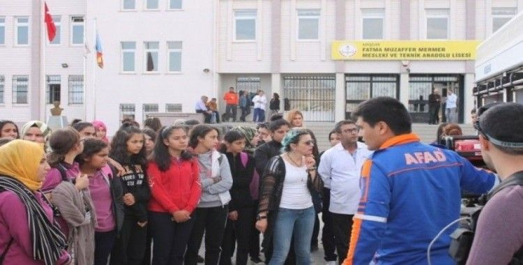 AFAD, okullarda eğitim faaliyetlerini sürdürüyor