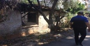 Fuhuşa mekan teşkil eden bina yıkıldı