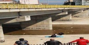Köprüden atlayan yaşlı adam olay yerinde can verdi