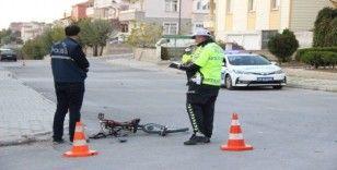 Hafif ticari aracın çarptığı bisikletli çocuk ağır yaralandı