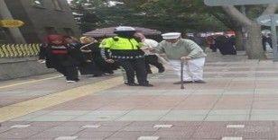 Türk polisinin merhameti