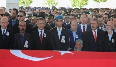 Bakan Koca, Barış Pınarı Harekatı'nda yaralanan askerleri ziyaret etti
