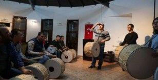 İzmit belediyesi ritim grubu çalışmalarını sürdürüyor