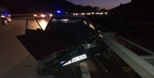 '253 promil' alkollü sürücü bariyere çarptı: 2 yaralı