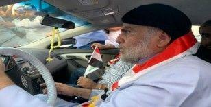 Irak'ta Şii lider Sadr protestolara katıldı