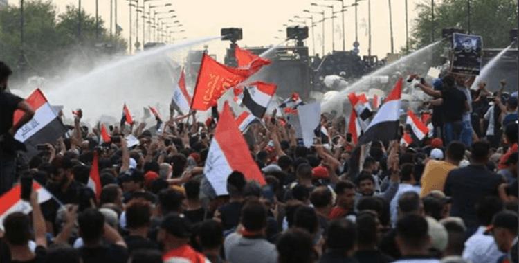 """Irak protestolarının simgesi """"tuktuklar"""""""