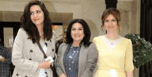 Bergüzar Korel'in ablası Zeynep Korel, 30 yaşında annesinden dayak yediğini itiraf etti