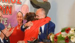 Şili'de dünya ikincisi olan karateci memleketi Denizli'ye döndü