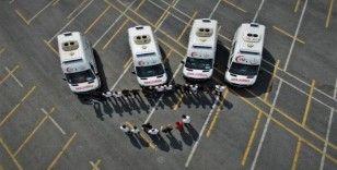 İstanbul'un ambulans sürücülerinin zorlu eğitimi havadan görüntülendi