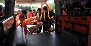 Filipinler'de kamyon vadiye yuvarlandı: 19 ölü, 20 yaralı
