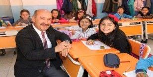 Kütahya Atatürk İlkokulu'na 'Z-Kütüphane'
