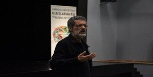 """Festival söyleşileri """"Türk Tiyatrosunda Estetik ve İdeoloji"""" ile devam etti"""