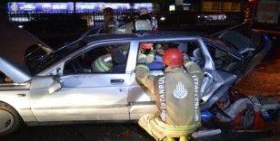 Sarıyer'de otomobil kırmızı ışıkta bekleyen araca çarptı: 7 yaralı