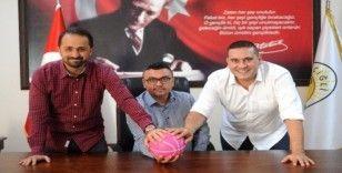 Çiğli Belediyespor'dan 'Pembe Top Sahada' kampanyasına destek