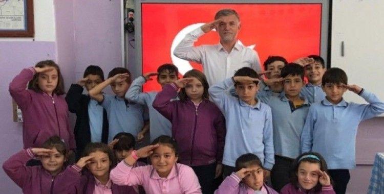 Kurtuluş İlkokulu öğrencilerinden askere selam