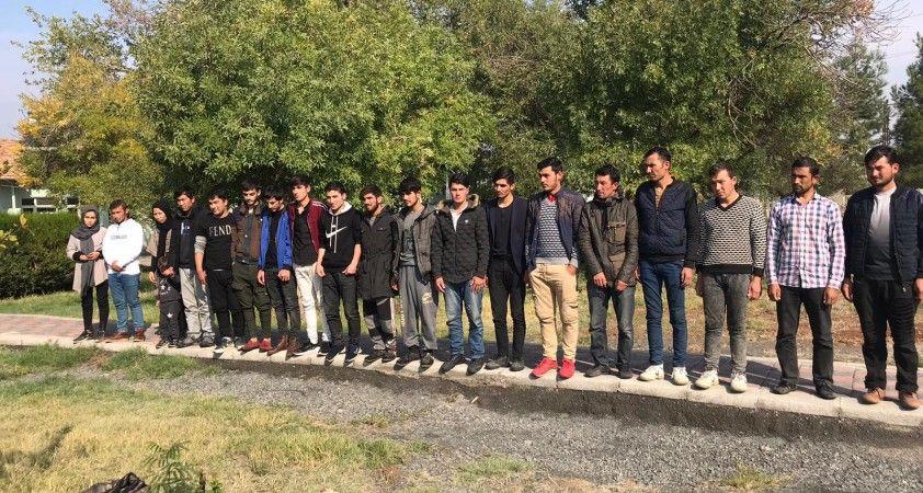 Diyarbakır'da 20 Afgan göçmen yakalandı