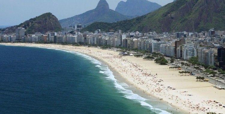 Brezilya plajlarını petrole bulayan Yunan gemisi çıktı