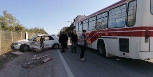 Kocaeli'de halk otobüsü ile otomobil çarpıştı: 4 yaralı