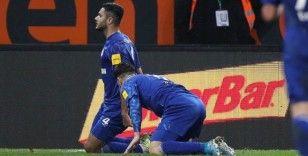 Ozan Kabak Schalke 04 formasıyla ilk golünü attı