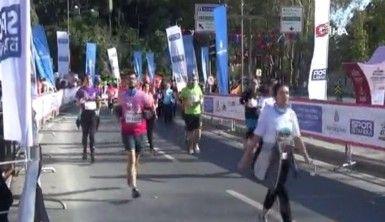 İstanbul Maratonu'nda halk koşusu tamamlandı