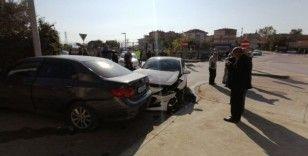 Gebze'de otomobiller çarpıştı: 4 yaralı