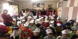 Minikler Kızılay Haftası'nı kutladı