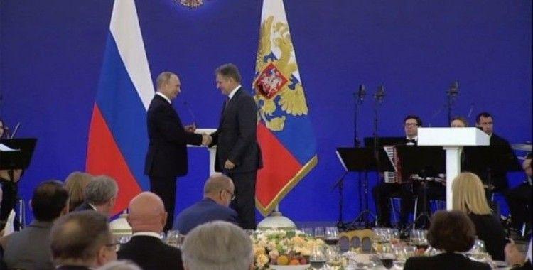 Bulgaristan'da ajanlıkla suçlanan STK başkanına Rusya'da devlet nişanı verildi