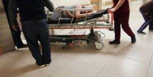 Merdivenlerden yuvarlanan adam ağır yaralandı