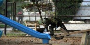 Çocuk parkındaki şüpheli valiz patlatıldı
