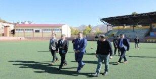 Vali Çağatay, spor tesislerini gezdi