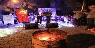Odun ateşinde, traktör kasasında senfonik konser