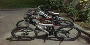 Bisiklet hırsızları yakalandı
