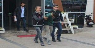 2 günde 250 bin TL'lik vurgun yapan sahte polis serbest kaldı
