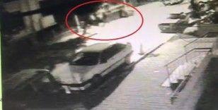 Balkondan tırmanıp evi soyan hırsızları güvenlik kameraları ele verdi