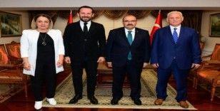 Medical Park Karadeniz Hastanesi yöneticilerinden Trabzon Valisi Ustaoğlu'na ziyaret