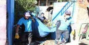 Son iki yılda aynı evden 37 kamyon çöp temizlendi