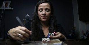 Kadın sadekar sanatıyla mücevherlere değer katıyor