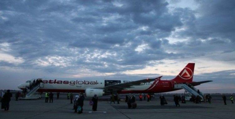 Atlasglobal, İstanbul'dan Buhara'ya ilk turistik charter uçuşunu gerçekleştirdi