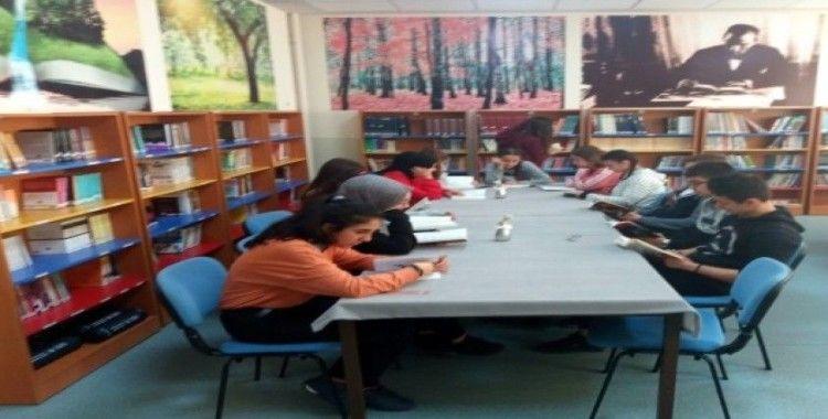 En çok kitap okuyan 4 kişi bu odaya girebiliyor