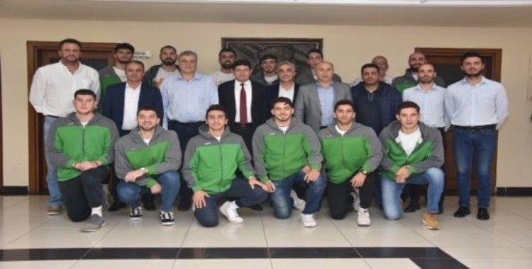 Nazilli Belediyespor Erkek Basketbol Takımı galibiyet sevincini paylaştı