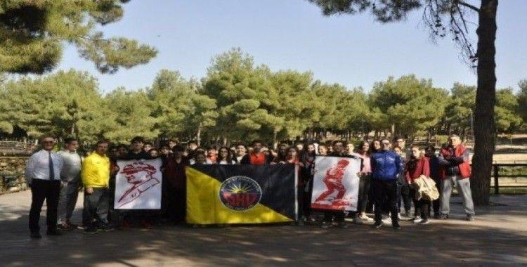 Gaziantep'te Ata'ya saygı yürüyüşü