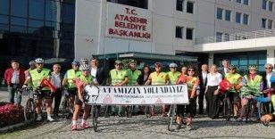 Ataşehir'den bisikletleriyle Ata'yı anmaya gittiler