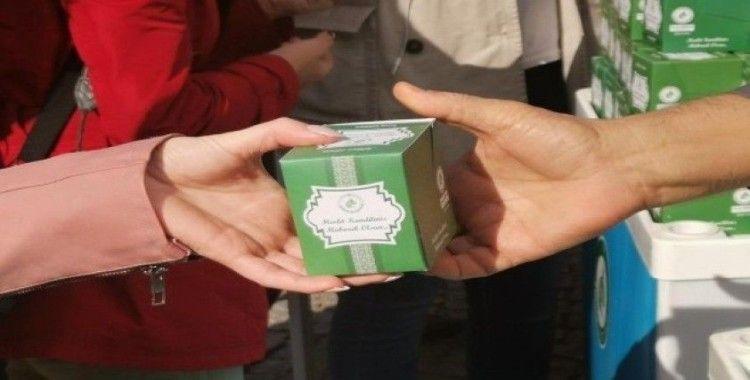 Edirne'de 10 bin kutu kandil simidi ikram edildi