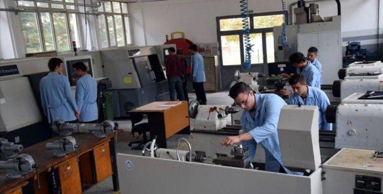 Makine tasarımı ve parça üretimi yapan meslek lisesi fabrikaların gözdesi
